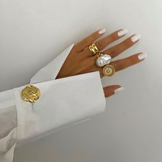 Image in Beauty/Fashion ♡ collection by Darla Accesories - Accesories jewelry - Accesories bag - Acc Jewelry Accessories, Fashion Accessories, Fashion Jewelry, Rich Girls, Looks Style, My Style, Mode Blog, Paris Mode, Bling