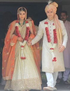 Soha Kunal Wedding Ceremony -- Soha Ali Khan and Kunal Khemu Picture # 295171 Sherwani For Men Wedding, Sherwani Groom, Wedding Dress Men, Wedding Groom, Wedding Attire, Wedding Ceremony, Punjabi Wedding, Outdoor Ceremony, Farm Wedding