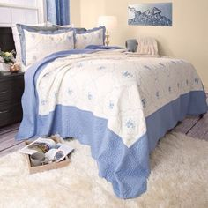 Lavish-Home-Brianna-Embroidered-Quilt-3-Pc-Set-Full-Queen-Blue-amp-White