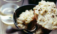L'hummus di fagioli è una delle alternative che potrete proporre al posto del classico hummus di ceci. L'hummus di fagioli è veloce da preparare e la sua ricetta può essere modificata a seconda dei gusti: se amate i sapori più delicati preparate l'humus di fagioli cannellini, se invece preferite sapori più decisi, preparate l'hummus di  … Continued