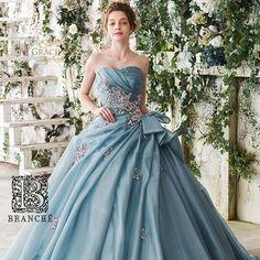 グラシューズの新作ドレス♡ ブルーグレーのデザイン性に優れた1着です♡ こちら3月入荷です!新作なので、先取りできること間違いなし! #グラシューズ #新作ドレス #ono_group #BRANCHE #プレ花嫁 #ブランシェひたちなか #全国のプレ花嫁と繋がりたい