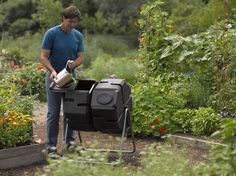 Batch composting is the fastest and most efficient way to produce high quality compost, and this dual bin tumbler makes it easy. Dual-Batch Compost Tumbler
