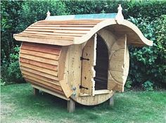 Cable drum and pallet playhouse