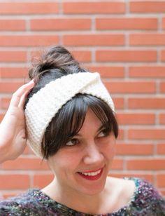 35ba227979ae2 DIY  turbante de punto súper fácil Faça Você Mesmo