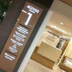ILUSTRE IDEIA Golden Square Shopping #wayfinding #signage #segd #egd #shopping #mall  #ledsign #directionalsign #backlight