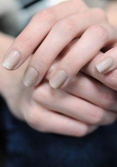 neutral nails11