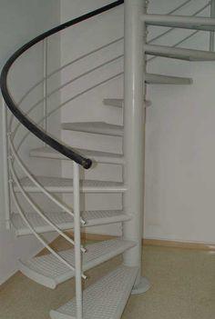 Escaleras de decoración verticales, ideales cuando se dispone de poco espacio, tanto para interiores como para exteriores para acceso entre plantas combinando la seguridad y el diseño.