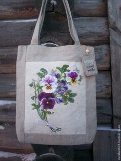 Купить +Подарок-брошь! Льняная сумка с ручной вышивкой Анютины глазки - Сумка с вышивкой