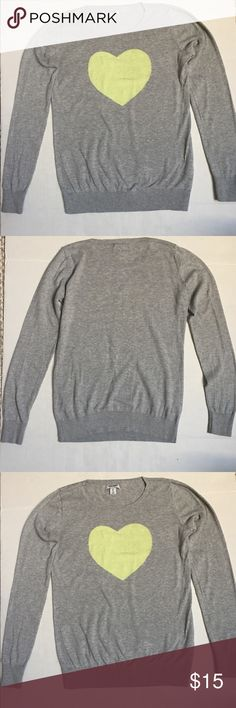 Old Navy, size XS.Grey Sweater. 100%cotton Old Navy, size XS Grey Sweater With yellow love design in front . Old Navy Sweaters