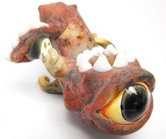 Glass pipe Behold the Beholder Two Eyed Monster (110.00)