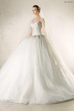 #gown #couturedesign #fashion #couturegowns #bridalstyle #couturefashion #fallwinter #fashiongram #couture #designer #wedding #designers #dress #bridal #couturegown #weddingdress #fallwinter2016 #bridalgowns #eliesaab #bridaldresses #fashionmagazine #bridalgown #bridaldress #gowns #couturedress #2016 #fashionblogger #bridalfashion #dresses Georges+Hobeika+svadobné+šaty