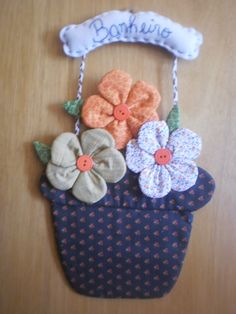 Doll Crafts, Sewing Crafts, Sewing Projects, Bow Pillows, Yo Yo Quilt, Flower Crafts, Fabric Flowers, Fabric Crafts, Hand Embroidery
