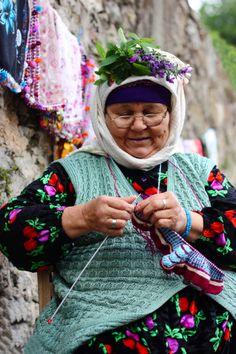 PORTUGAL  -- beautiful knitting