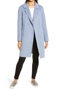 How a minimal wardrobe need not be boring - look better with less Capsule Wardrobe Women, Fashion Capsule, Blazer Jackets For Women, Coats For Women, Over 60 Fashion, Fall Fashion, 50 Fashion, Fashion Ideas, Fashion Outfits