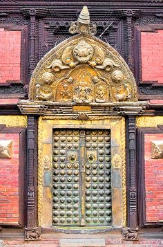 door Nepal, Patan, Palace, 17th century