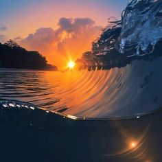 Surfing holidays is a surfing vlog with instructional surf videos, fails and big waves Sunset Pictures, Cool Pictures, Beautiful Pictures, Amazing Photography, Landscape Photography, Nature Photography, Surf Mar, Kite Surf, Photos Voyages