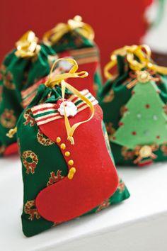 Saco de lembrancinhas de Natal com patch apliquê
