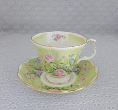 •.¸.•´ ` ❤☆.¸.☆ *❤•.¸.•´ `•.¸.•´ Royal Albert tea cup  saucer $18.50•.¸.•´ ` ❤☆.¸.☆ *❤•.¸.•´ `•.¸.•´