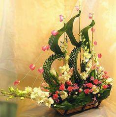 Wie geil ist das, cool ein Segelschiff aus Blumen! Alle Achtung vor dem Macher !!! ☺