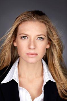 Anna Torv - Olivia....My girl crush