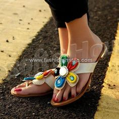 65b0b9a05679a9 Flat Sandals For Girls 2013 011 Cute Sandals