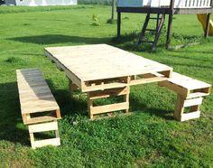 Wooden pallet garden table