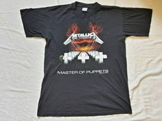 Check out this item in my Etsy shop https://www.etsy.com/ie/listing/551573842/vintage-rare-1994-metallica-t-short-vtg