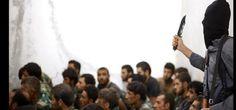 En una serie de imágenes de militares sirios capturados después de una batalla en el aeródromo militar de Al Tabaqa #Siria