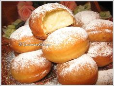 Flavored Donuts This is a Romanian Dessert. I love food from that region of Europe Beignets, Hungarian Recipes, Russian Recipes, Delicious Desserts, Dessert Recipes, Yummy Food, Yummy Yummy, Romania Food, Romanian Desserts