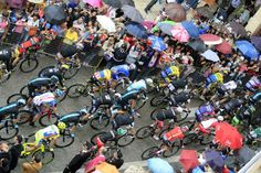 May 13, Stage 4: Giovinazzo - Bari 112km - The peloton was soaked on stage 4