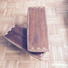 Stunning Vintage Lane swivel coffee table