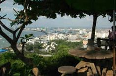 Viewpoint area of the famous Pattaya bay area from the viewpoint at the top of Khao Pratumnak - Pratumnak Hill. Pattaya, Bay Area, Dolores Park, Thailand, Skyline, Activities, City, Travel, Viajes