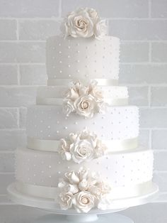 Classically elegant champagne rose wedding cake The Effective Pictures We Offer You About tsonga traditional wedding cakes A quality picture can tell you many things. You can find the most beautiful p Elegant Birthday Cakes, Pretty Wedding Cakes, Wedding Cake Roses, Wedding Cakes With Cupcakes, White Wedding Cakes, Elegant Wedding Cakes, Wedding Cakes With Flowers, Rose Wedding, Wedding Cake Toppers