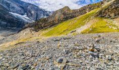 Wanderung vom Klausenpass zum Griesslisee beim Claridengletscher › 2CoinsTravel Kanton, Mountains, Nature, Travel, Waterfall, Vacations, Naturaleza, Voyage, Trips