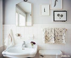 Картинки по запросу белая квадратная плитка в ванной