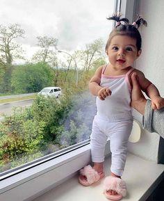 Cute Little Baby, Cute Baby Girl, Little Babies, Baby Kids, Baby Boy, Cute Kids Fashion, Baby Girl Fashion, Bebe Baby, Baby Suit