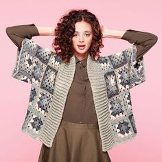 Yarnspirations is the spot to find countless free easy crochet patterns, including the Caron x Pantone Crochet Kimono Cardigan, XS-L. Browse our large free collection of patterns & get crafting today! Crochet Cardigan Pattern, Crochet Jacket, Crochet Coat, Easy Crochet Patterns, Crochet Shawl, Crochet Clothes, Motif Kimono, Gilet Kimono, Kimono Pattern