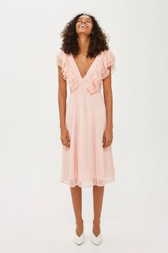 22 Dresses To Buy Now That Summer Clothing Is On Sale #refinery29 http://www.refinery29.com/2017/09/173299/end-of-summer-sales-best-dresses-2017#slide-11