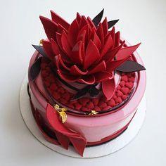 Ночь самое время для этого торта))