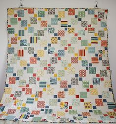 Let's begin sewing.: Disappearing 9 Patch Quilt I like the white space and rhythm of this quilt Cute Quilts, Scrappy Quilts, Easy Quilts, Quilting Tips, Quilting Projects, Quilting Designs, Quilt Design, Charm Pack Quilts, Disappearing 9 Patch