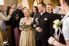 Hochzeit Zell am See und Hinterhag– Ricki & Anatol - Foto Sulzer Blog Zell Am See, Bridesmaid Dresses, Wedding Dresses, Blog, Fashion, Bridesmaids, Dress Wedding, Engagement, Gowns