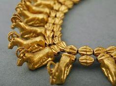 Colchis gold. Vani, West Georgia. Georgian National Museum. https://burusi.wordpress.com/2009/07/21/vani-kolheti/3/