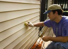 If you aren't sure about the right siding material for your home, we are here to help you. Choose from fiber cement siding, vinyl, and LP smartside by looking at the comparison. Best Vinyl Siding, Vinyl Siding Repair, Cleaning Vinyl Siding, Vinyl Siding Cleaner, Fiber Cement Siding, Wood Siding, Clean Siding, Best Exterior Paint, Cleaning Tips