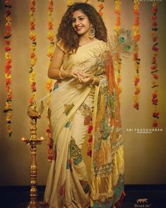 Saree Photoshoot, Bridal Photoshoot, Set Saree Kerala, Kerala Traditional Saree, Saree Dress, Sari, Kerala Saree Blouse Designs, Saree Painting, Fabric Painting