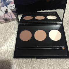Contour New in box never been used , Jones New York Makeup Bronzer