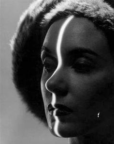 TatiTati Style - THE ART OF FASHION: Inspiration - Erwin Blumenfeld Similar I think to Autoportrait, by Dora Maar