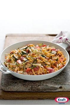 Minestrone Mac & Cheese Skillet - If you've got fans of minestrone soup at home, this mac and cheese skillet—made with tasty garden vegetables and pinto beans—is a must-try.