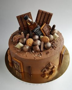 For all them drinkers out there Beautiful Cakes, Amazing Cakes, Cake Cookies, Cupcake Cakes, Alcohol Cake, Bottle Cake, Novelty Cakes, Drip Cakes, Occasion Cakes