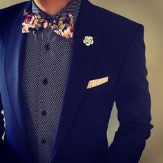 "Men's Fashion Post en Instagram: ""SuitedMan's stylings and accessories are always on point including their Navy Floral Bow Tie and Crystal Camellia Lapel Pin. Get their accessories now at www.suitedman.com. Follow @suited_man @suitedmanstyle"""