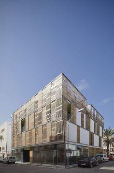 Juana Canet Arquitectos - Latticework Apartment Block, Mallorca, Spain (2012)